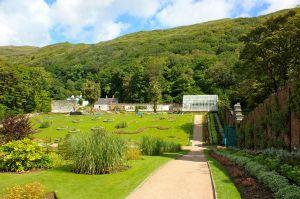 1280px-Walled_Victorian_Gardens1,_Kylemore_Abbey,_Connemara,_Ireland,_July_2013